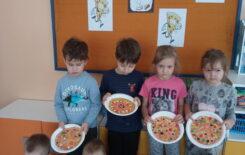 Więcej o: Dzień Pizzy u Żabek